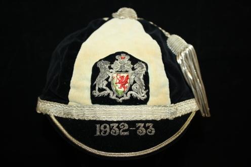 CARDIFF RFC 1932-33 (WRU)