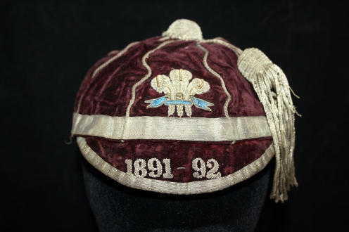 FRANK MILLS - WALES 1981-82 (WRU)