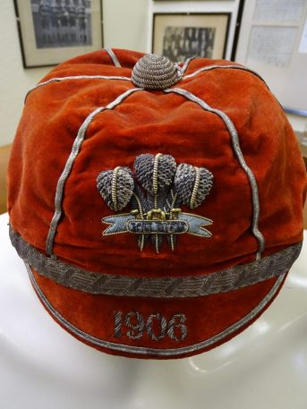1906 Wales Rugby Cap - Side (CRM243)