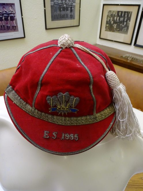 1955 Wales Youth Rugby Cap (CRM46)