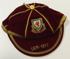 1976-77 wales football cap - malcolm-page